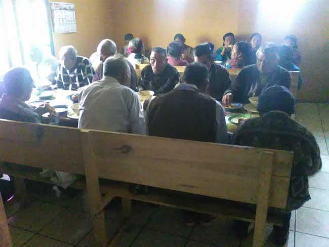 Local elderly in Guatemala benefiting from the feeding program