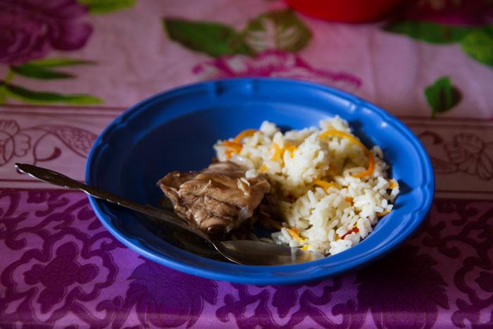 A typical meal served at Cosechando Felicidad