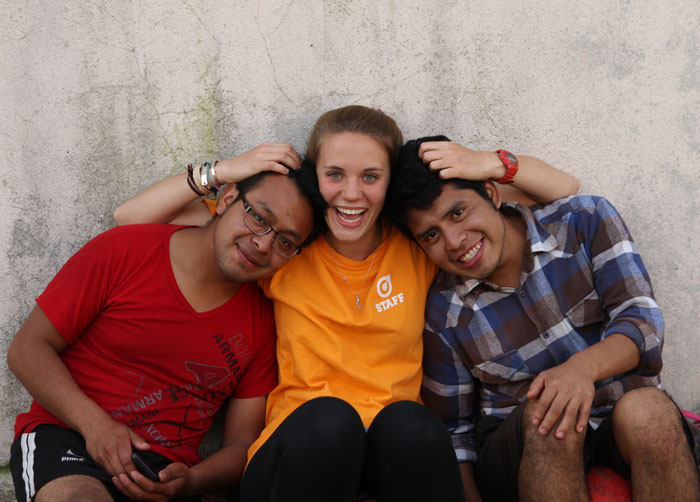 Cofounder Emily Keller with Cosechando Felicidad Volunteers